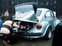 Käfer mit Typ 4 Motor mit stehendem Gebläse (ohne Ausfräsung des Motorgehäuses) und großem Heckbürzel