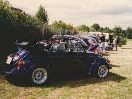 Käfer und Freunde - luftgekühltes Kundentreffen unter sonnigem Himmel im September 1996