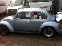 Oft auf der Rennstrecke: 1303 mit 2,4l KLAUS-Motor, siehe z.B. hier https://youtu.be/okdMGJHnyMQ oder hier https://klaus-motoren.com/2013/05/16/back-on-track-wieder-voll-in-der-spur/