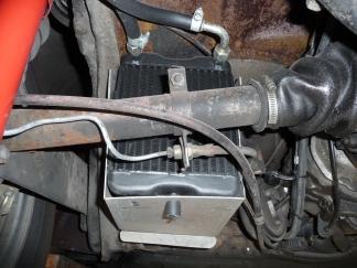 Ölkühler am Porsche 356 Fahrerseite