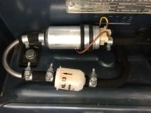 Montage der Benzinpumpe am Ovali
